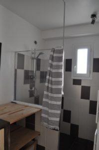 Salle de douche au RdC